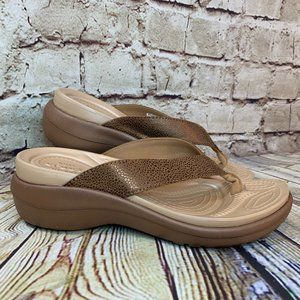 Crocs WomensBrown Leather Strap Sandals Size 5